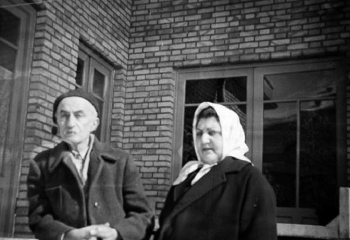 نیما یوشیج و همسرش عالیه