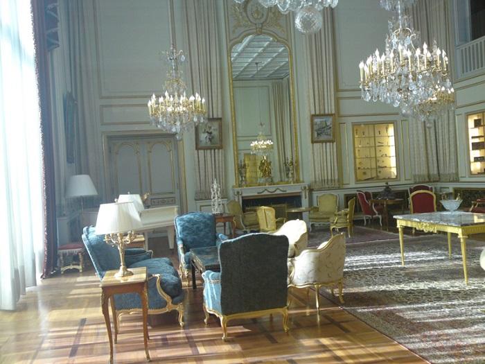اتاق پذیرایی کاخ نیاوران