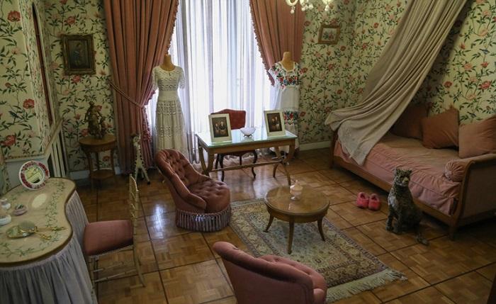 اتاق خواب و مطالعه فرحناز پهلوی در کاخ نیاوران