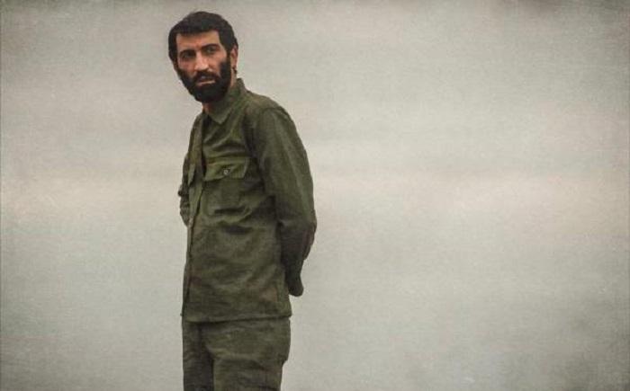هادی حجازی فر در ایستاده در غبار