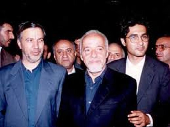 پائولو کوئیلو در کنار عطا الله مهاجرانی