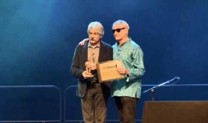 کیهان کلهر در مراسم دریافت مرد سال موسیقی جهان