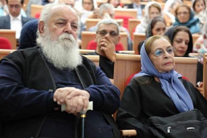 هوشنگ ابتهاج در کنار همسرش