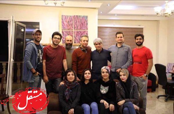 فرزاد حسنی در جمعی از بازیگران + عکس