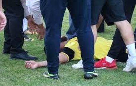 نجات علی بشیری بازیکن فوتبال در زمین بازی از مرگ حتمی / فیلم