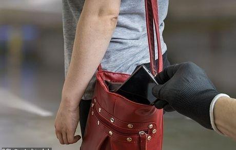 گوشیهای موبایل از خود در برابر سارقین مراقبت میکنند