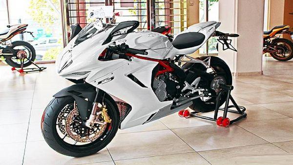 قیمت انواع موتورسیکلت شنبه ۱۱ مرداد