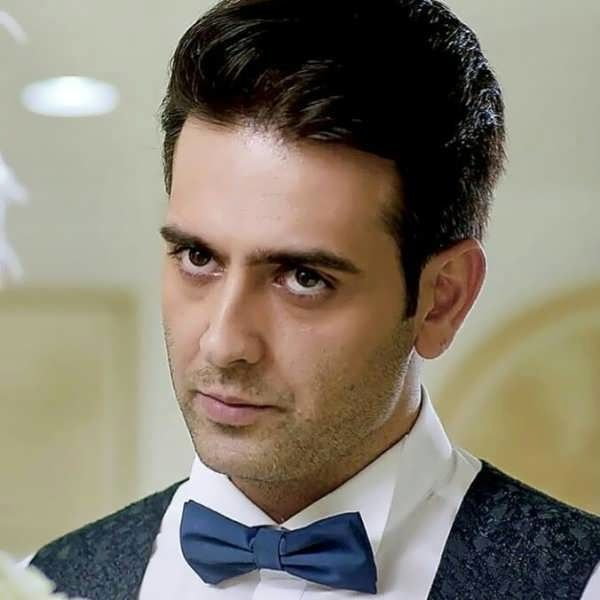 Amir-Hossein-Arman (18) | ویبره | پورتال جامع زندگی