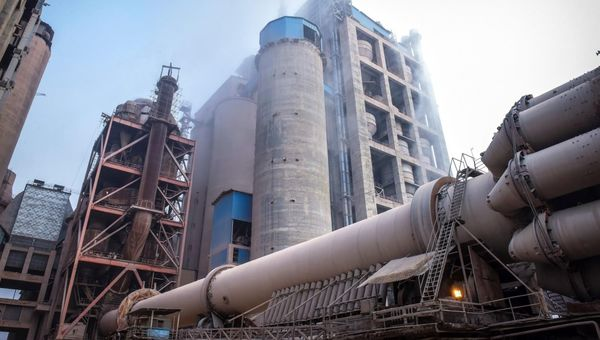 سوخت شرکت سیمان آبیک گاز است نه گازوئیل