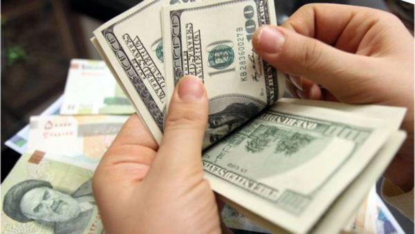 دولت خودش قیمت دلار را به ۱۹هزار تومان برد