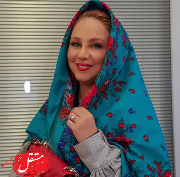 روسری زیبای بهنوش بختیاری + عکس