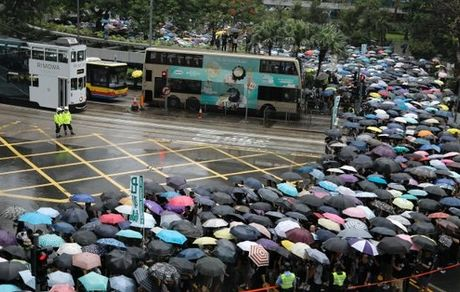 پیوستن معلمان به اعتراضات در هنگ کنگ