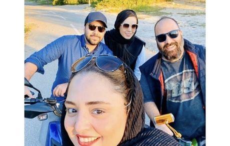 دوچرخه سواری نرگس محمدی با خواننده مشهور + عکس