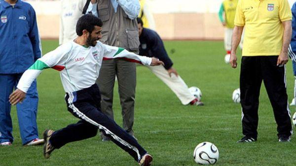احمدی نژاد می خواهد از نظام باج بگیرد