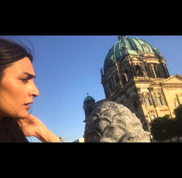 السا فیروز آذر در برلین + عکس
