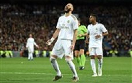 رئال مادرید با یک تساوی خانگی از بارسلونا عقب افتاد