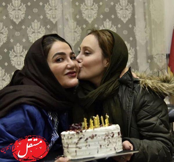 بوسه خانم بازیگر در تولدش + عکس