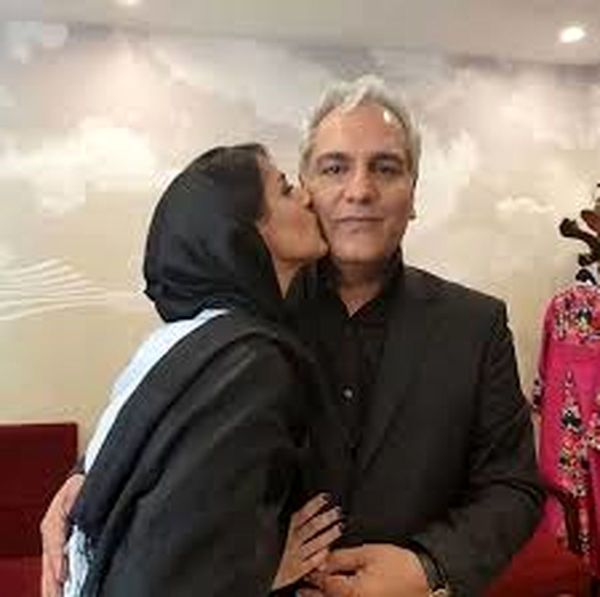 عکس جنجالی مهران مدیری در اغوش دختر جوان +عکس و بیوگرافی