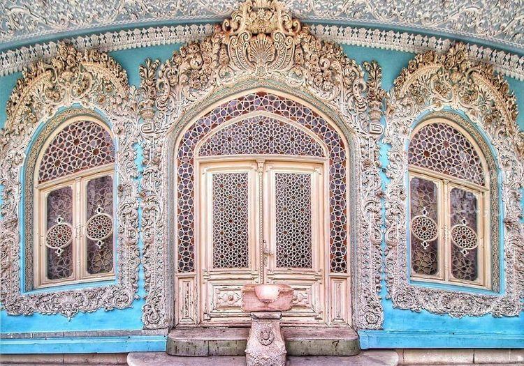 نمای بسیار زیبای خانه حسین خداداد متعلق به دوره قاجار