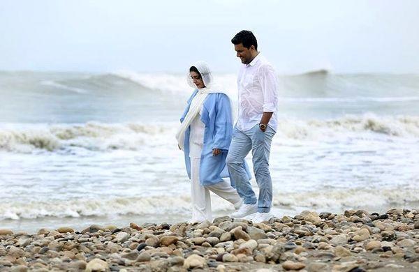 ساره بیات و بازیگر مشهور کنار دریا + عکس