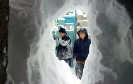 در خلخال مردم تونل برفی ساختند+عکس