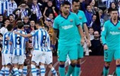 بارسلونا در آستانه الکلاسیکو صدرنشینی را به رئال مادرید تعارف کرد