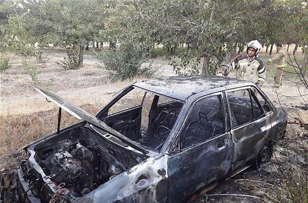 رانندگان پراید و پژو در آتش سوختند