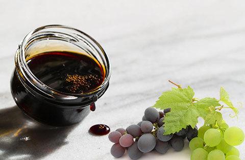 چه کسانی باید در فصول سرد شیره انگور بخورند؟