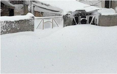 خلخال در برف دفن شد ! +عکس