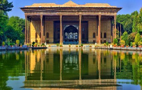 معرفی عمارت چهلستون اصفهان؛ از زیباترین بناهای دوره صفویه