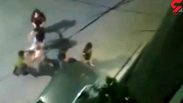 فیلم وحشتناک از حمله ارازل اوباش به مردم در تهران + فیلم