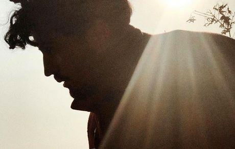 مهرداد صدیقیان در هاله ای از نور + عکس