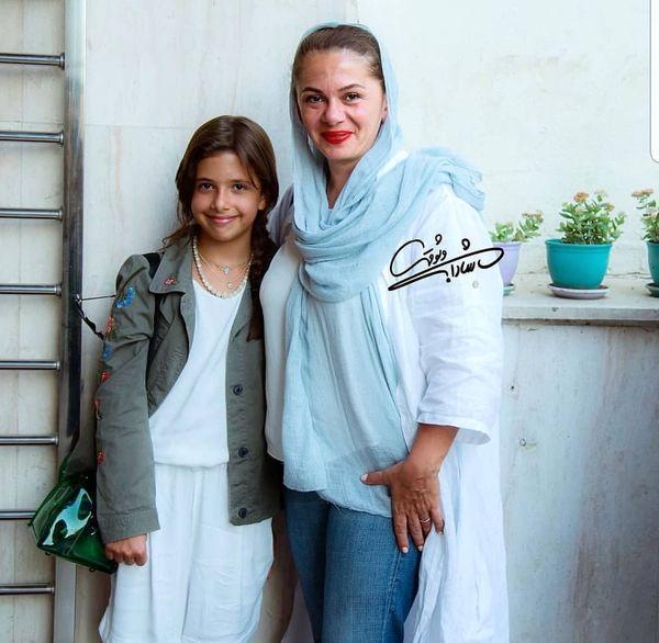 همسر و دختر مجری کودک شو + عکس