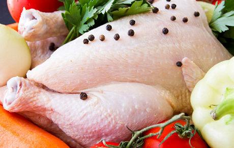 با خوردن پوست مرغ چه بلایی سرتان میآید؟