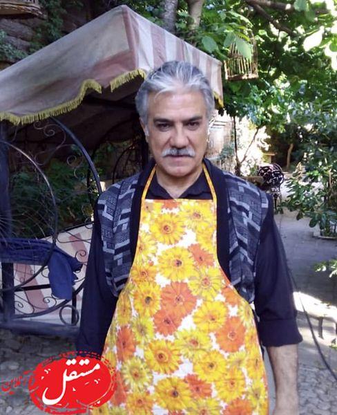 آقای بازیگر با پیشبند آشپزی اش + عکس
