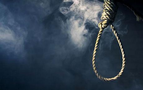 خودکشی مرد تهرانی مقابل مصلی تهران / او خودش را مقابل در شماره 17 حلق آویز کرد