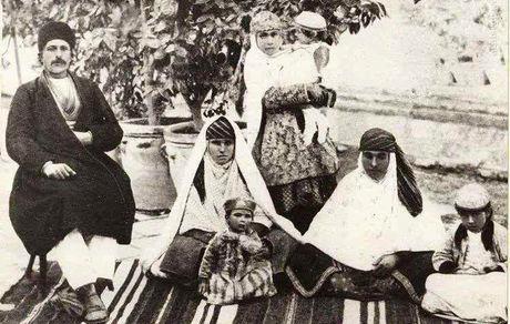 خانواده ایرانی در سال ۱۲۸۷ +عکس