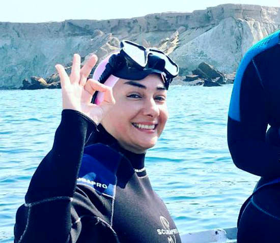 عکس دو بازیگر زن ایرانی در لباس شنا و غواصی